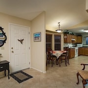Gilbert Islands 2 Bedroom Condo By Signature Vacation Homes of Scottsdale