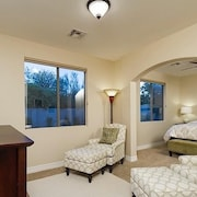Dynamite 6 Bedroom Holiday home By Signature Vacation Homes of Scottsdale