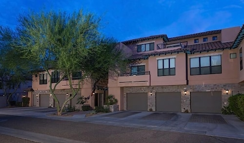 Great Place to stay The Keep at La Verne By Signature Vacation Rentals near Phoenix