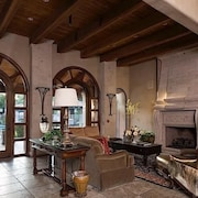 The Keep at La Verne 2 Bedroom Condo By Signature Vacation Homes of Scottsdale