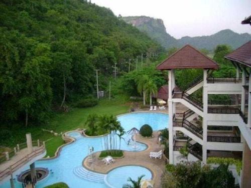 Mandarin golden valley hotel spa 2017 room prices for Adagio salon golden valley