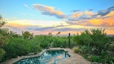 Peak of Perfection By Signature Vacation Rentals - Tucson Hotels