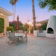 Scottsdale Regency Condo By Signature Vacation Rentals