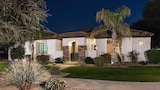 Palm Valley By Signature Vacation Rentals - Goodyear Hotels