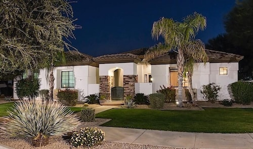 Great Place to stay Palm Valley By Signature Vacation Rentals near Goodyear