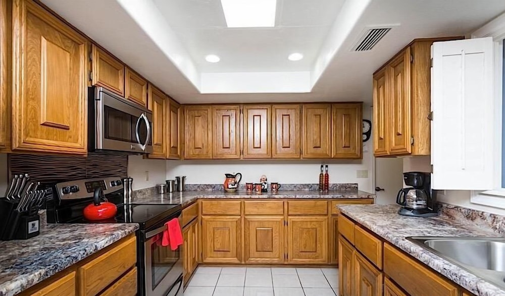 Private Kitchen, McCormick Ranch Santa Fe Home By Signature Vacation Rentals