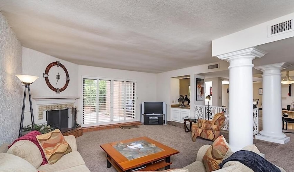 Living Area, McCormick Ranch Santa Fe Home By Signature Vacation Rentals