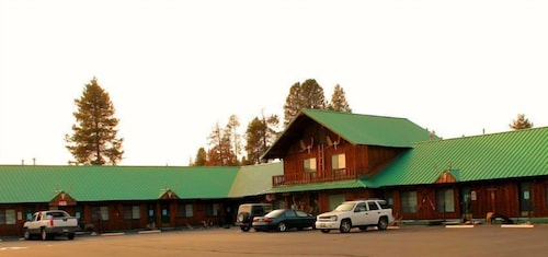 Great Place to stay The Woodsman Country Lodge near Crescent