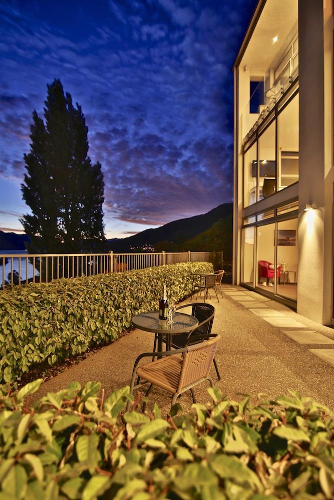 Book manor park lodge queenstown hotel deals for 70 panorama terrace queenstown
