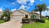 FRIENDLY 4 Bedroom Holiday home by Follow the sun vacation Rentals - Kissimmee Hotels