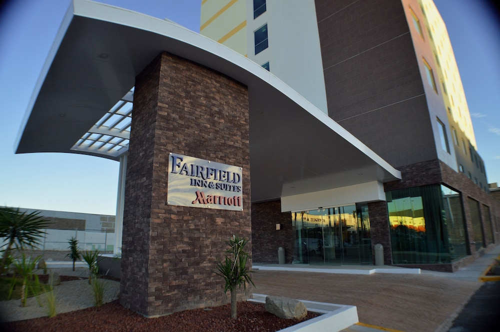 Property Entrance, Fairfield Inn & Suites by Marriott Nogales
