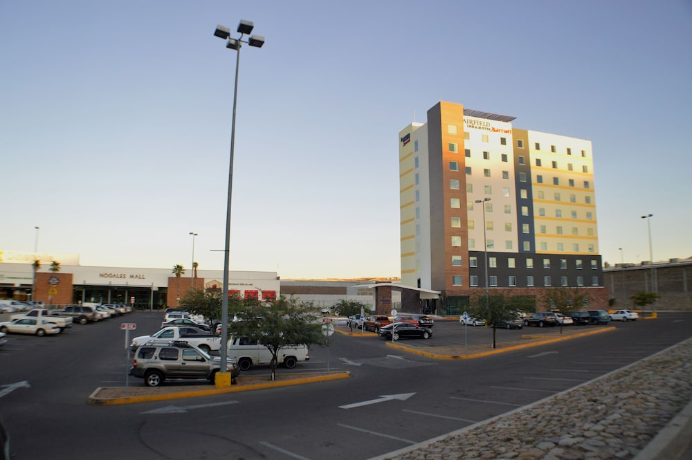 Parking, Fairfield Inn & Suites by Marriott Nogales