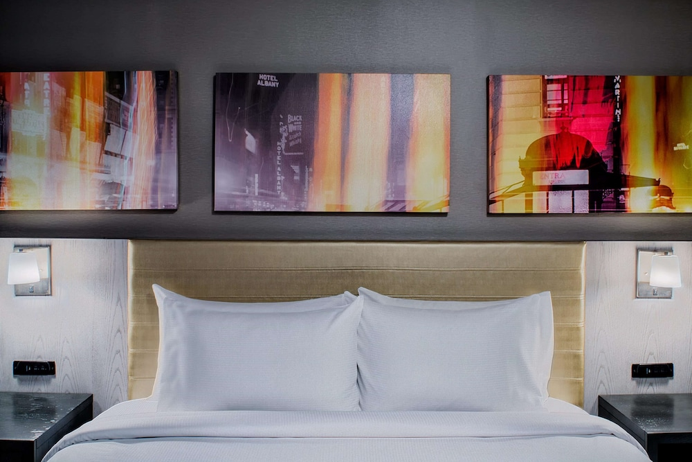 Room, DoubleTree by Hilton New York Times Square West