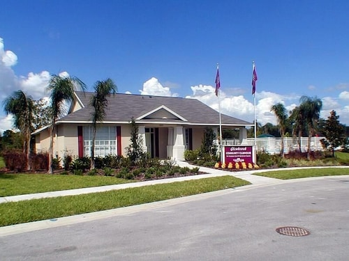 Book palma 4 bedroom villa by dream orlando vacation rentals clermont hotel deals 4 bedroom vacation rentals orlando florida
