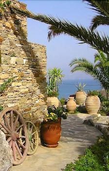 Ágios Prokópios, 843 00 Náxos, Greece.