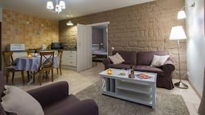設計每間自成一格、家具佈置各有特色、書桌、免費 Wi-Fi