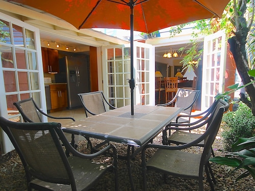 Great Place to stay Historic District East by S.D.V. near Savannah