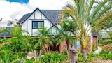 Mount Mee Country Inn Bed & Breakfast - Mount Mee Hotels