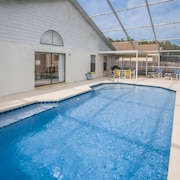 Lovely 4 Bedroom Holiday home by Follow the sun vacation Rentals
