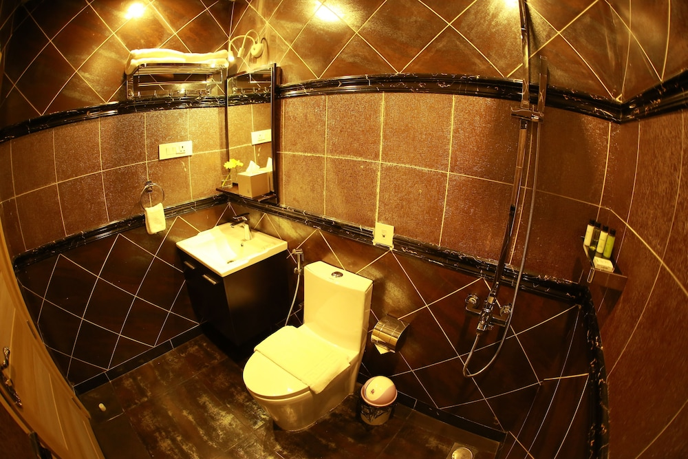 Bathroom, Parakkat Nature Resorts