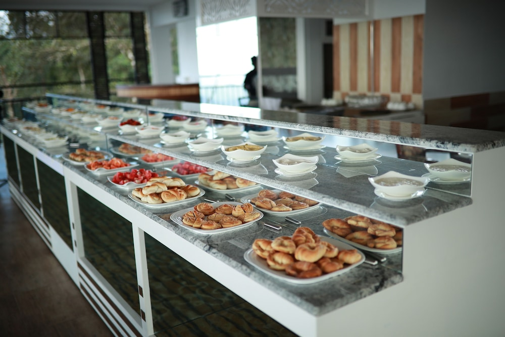 Buffet, Parakkat Nature Resorts