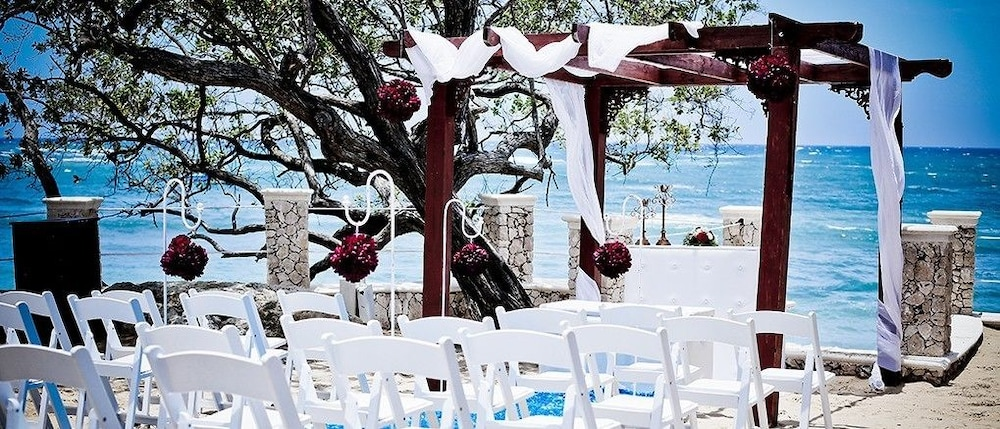 Outdoor Wedding Area, Presidential Suites by Lifestyle - All Inclusive