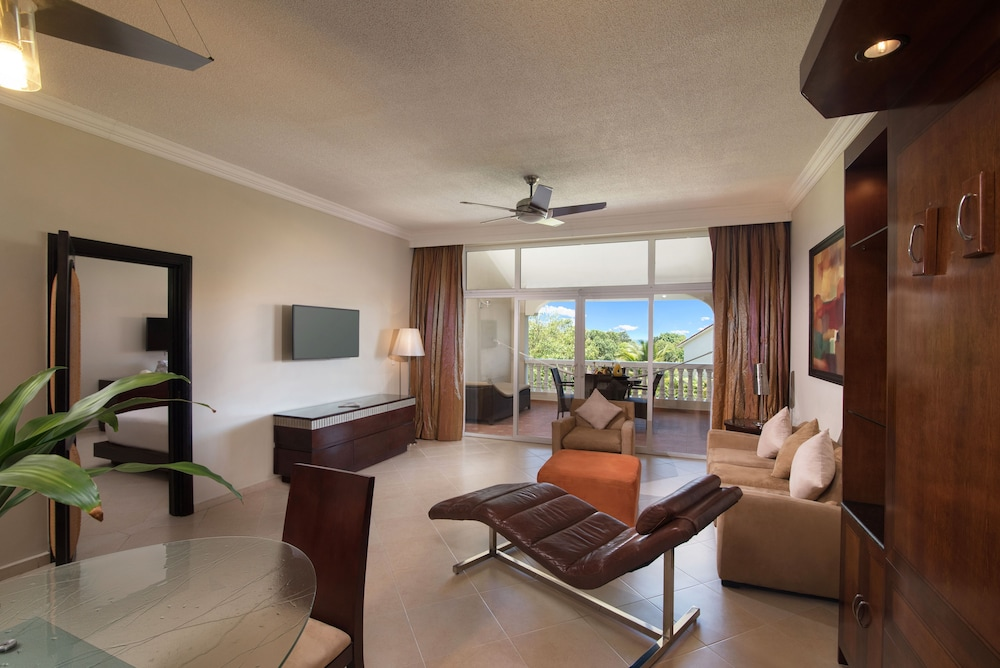 Living Room, Presidential Suites by Lifestyle - All Inclusive