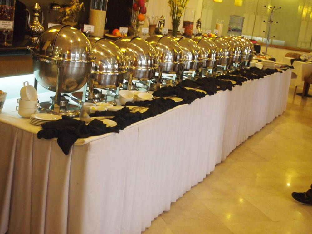 Breakfast buffet, Crowne Plaza Islamabad