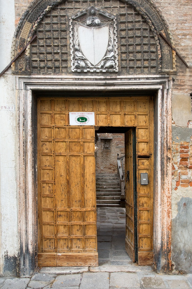 Property Entrance, Hotel Cà Nobile Corner