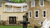 Stone Manor Bed and Breakfast - Lovettsville Hotels
