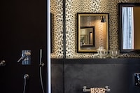 Velona's Jungle Luxury Suites (15 of 16)