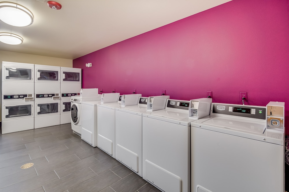 Laundry Room, Aptel Studio Hotel
