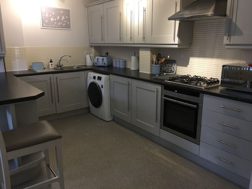 The Beeches - Serviced Duplex Apartment