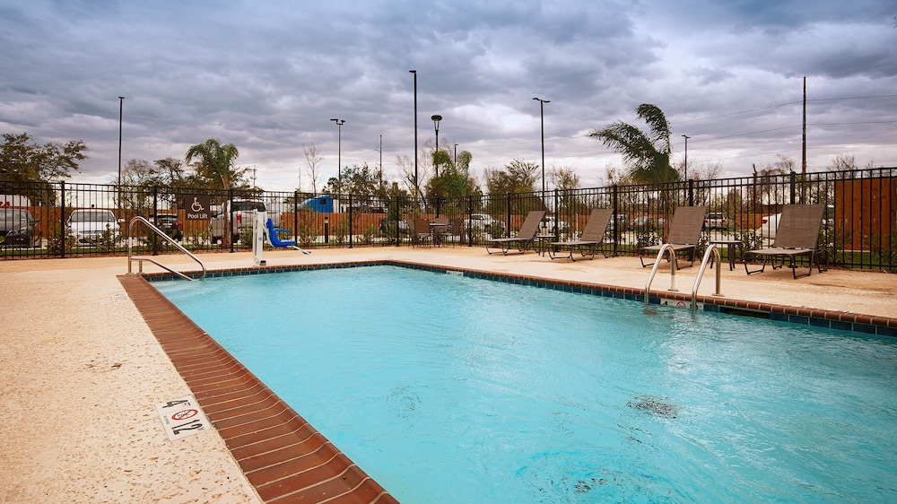 Pool, Best Western Plus New Orleans Airport Hotel