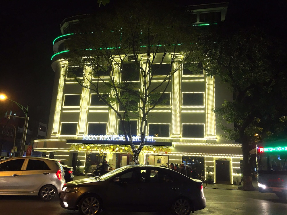 Front of Property, Mon Regency Hotel