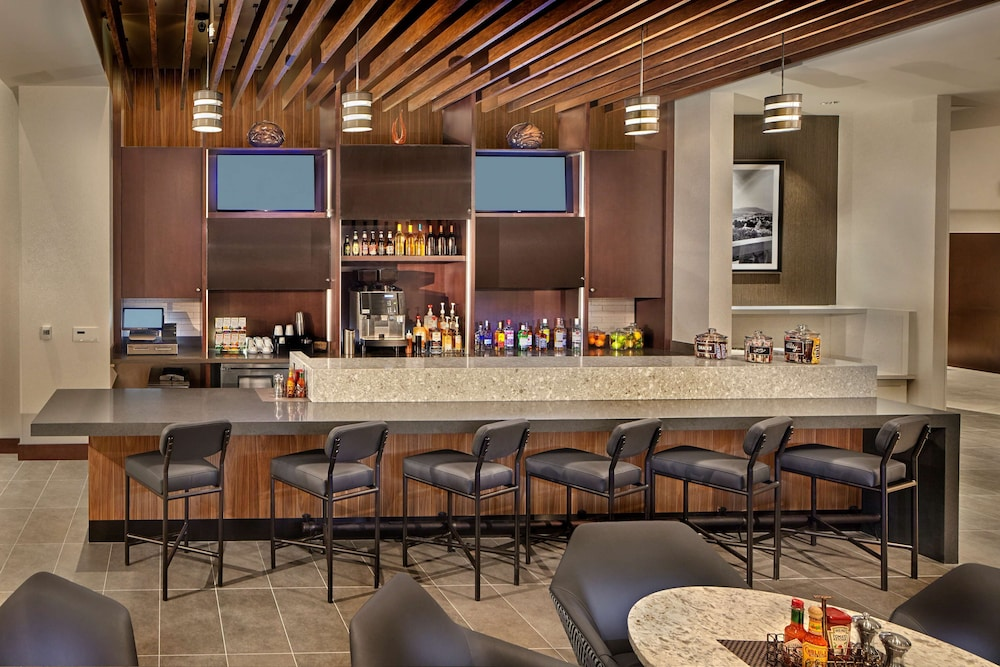 Bar, Hyatt Place State College