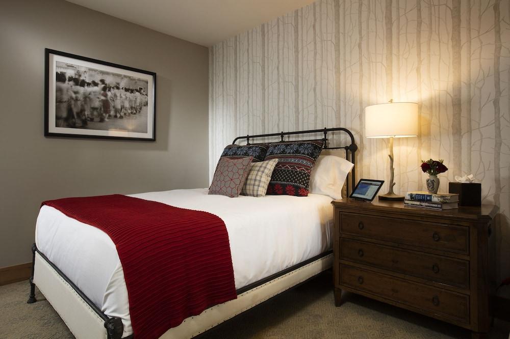 Book the blake at taos ski valley taos ski valley hotel deals solutioingenieria Images