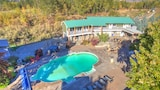 Similkameen Wild Resort & Winery - Keremeos Hotels