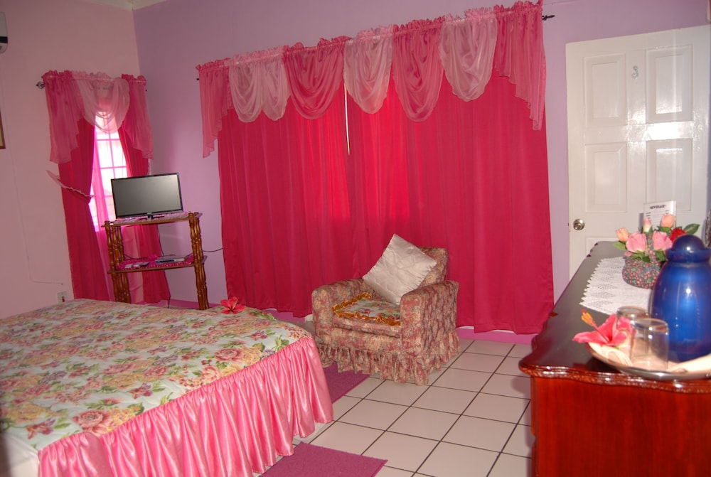 Pinkhibiscus Guest House In Montego Bay Hotel Rates Reviews On