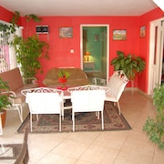 PinkHibiscus Guest House