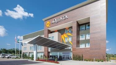 La Quinta Inn & Suites by Wyndham Tulsa Broken Arrow