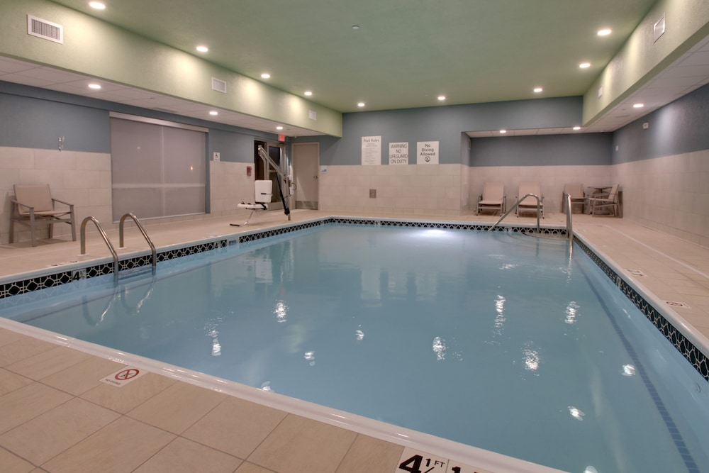 Indoor Pool, Holiday Inn Express & Suites Mount Vernon, an IHG Hotel