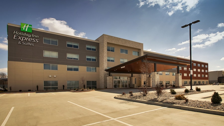 Holiday Inn Express & Suites Mount Vernon, an IHG Hotel