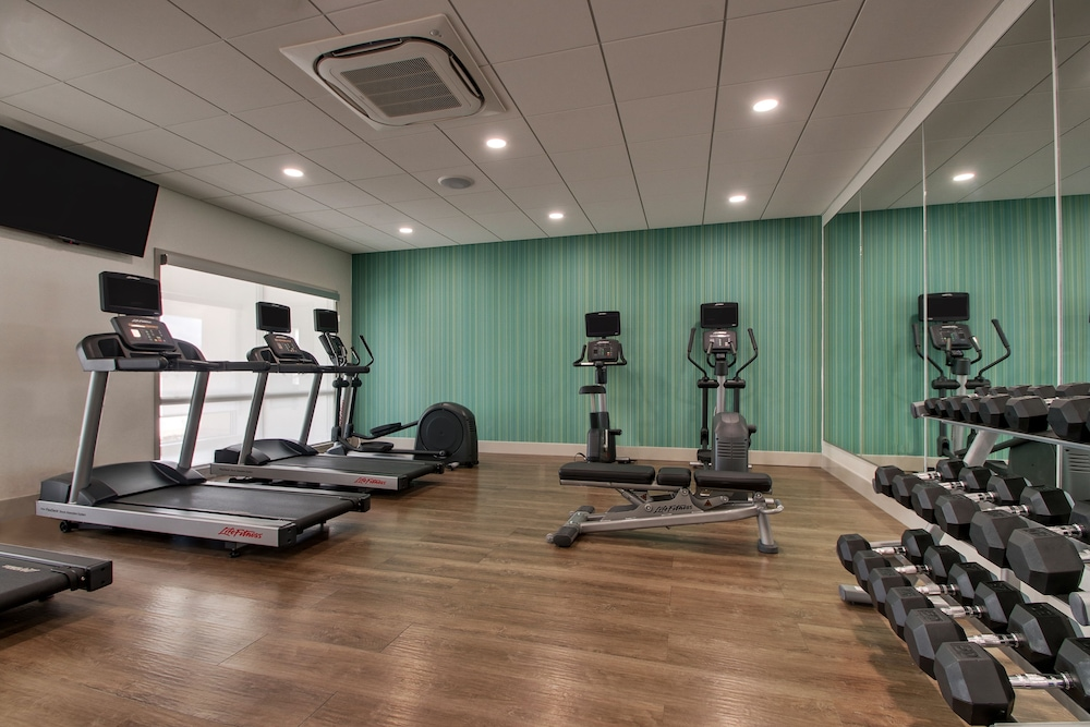 Fitness Facility, Holiday Inn Express & Suites Mount Vernon, an IHG Hotel