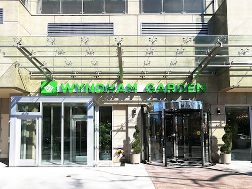 Wyndham Hotels Staten Island Deals 2018: Compare & Save From $101 ...