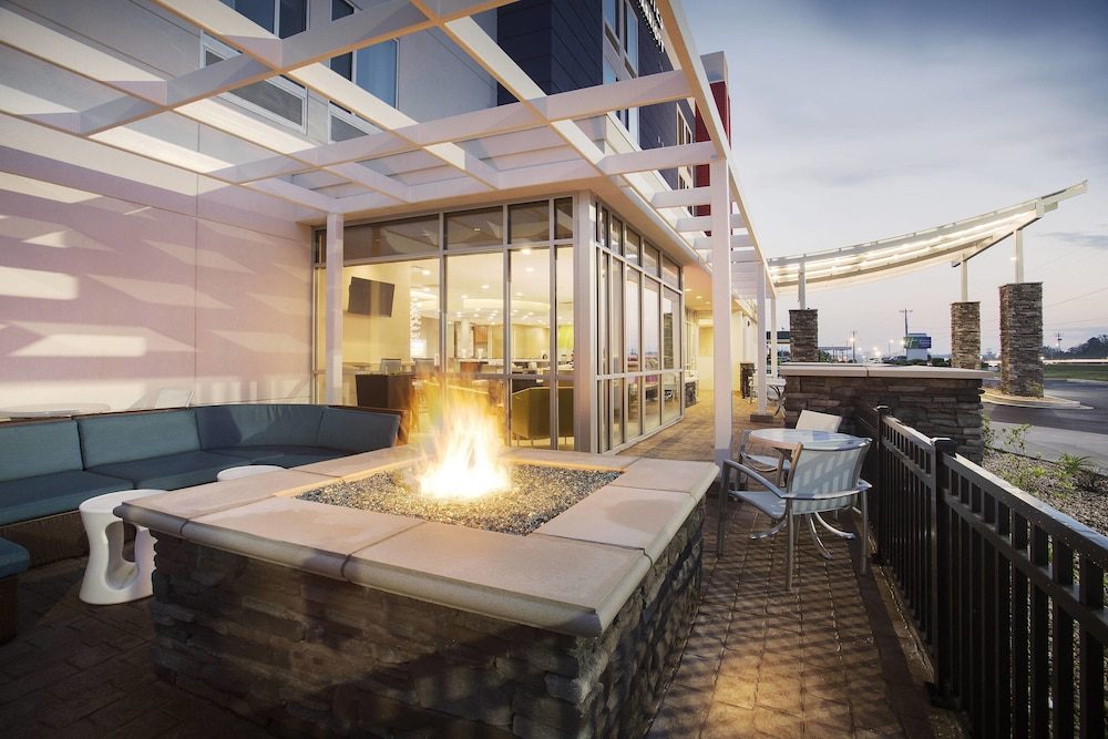 Terrace/Patio, SpringHill Suites by Marriott Murray