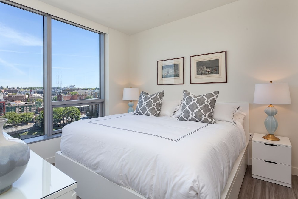 25 luxury apartment 2 bedrooms 2 bathrooms city view featured