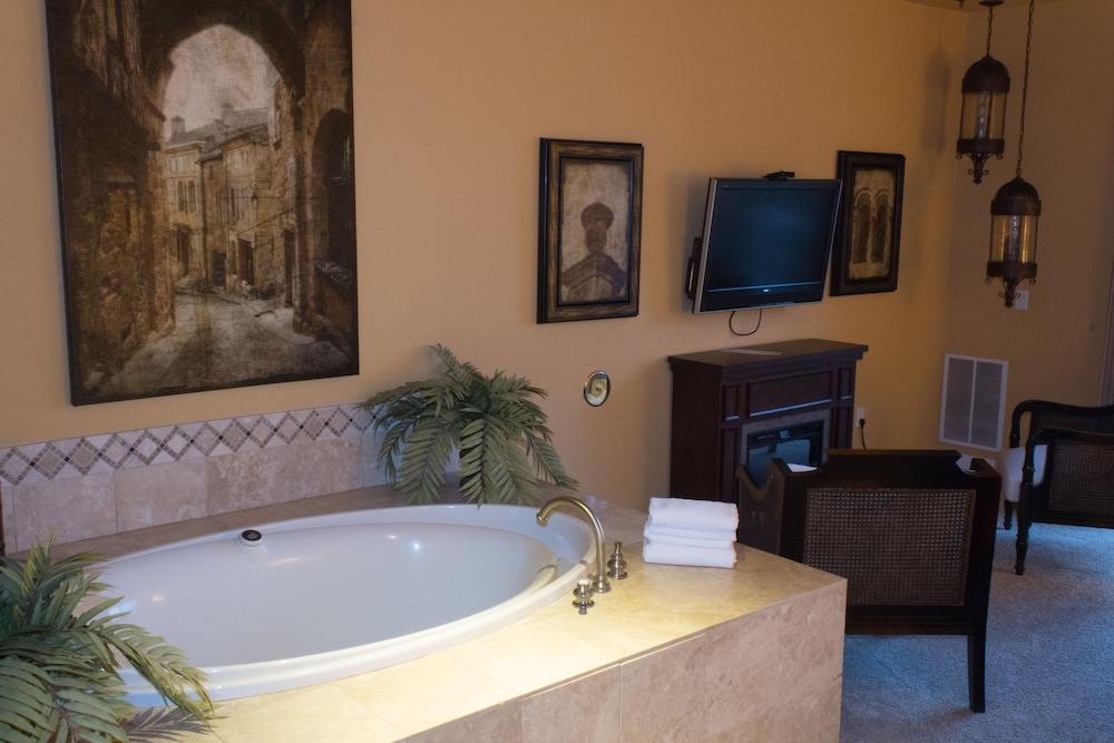 Jetted Tub, Delton Grand Resort and Spa