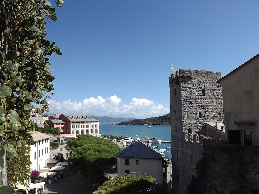 Hotel Genio In La Spezia Hotel Rates Reviews On Orbitz
