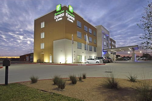 Holiday Inn Express & Suites Brookshire - Katy Freeway, an IHG Hotel
